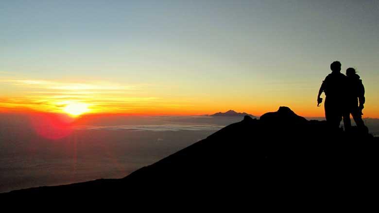 SUNRISE-MOUNT-BATUR-TREKKING-TOUR